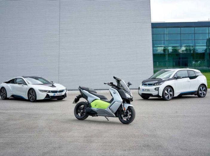 BMW Group, nel futuro mobilità elettrica, digitalizzazione, condivisione e guida autonoma - Foto 6 di 17