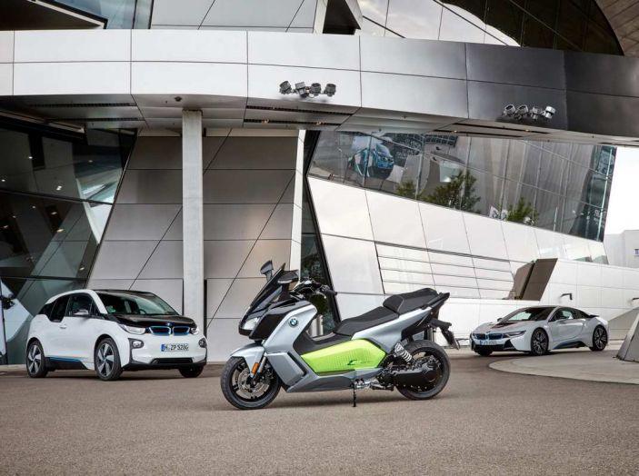 BMW Group, nel futuro mobilità elettrica, digitalizzazione, condivisione e guida autonoma - Foto 7 di 17
