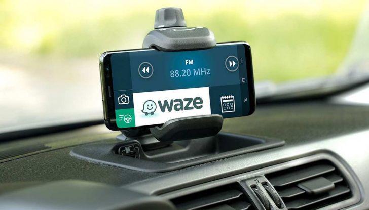 Fiat Panda Waze, versione speciale per l'app di navigazione - Foto 7 di 13