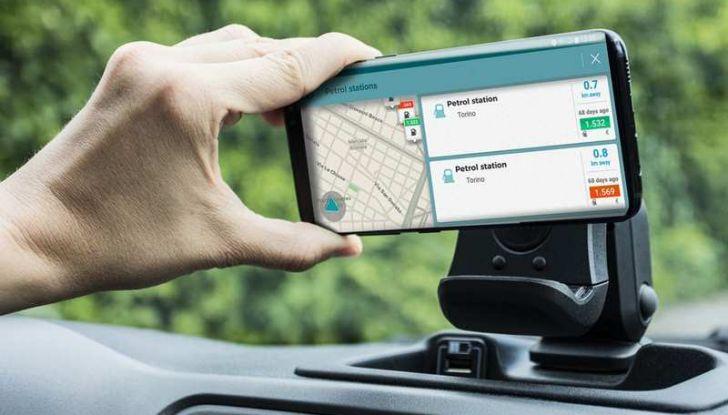 Fiat Panda Waze, versione speciale per l'app di navigazione - Foto 8 di 13