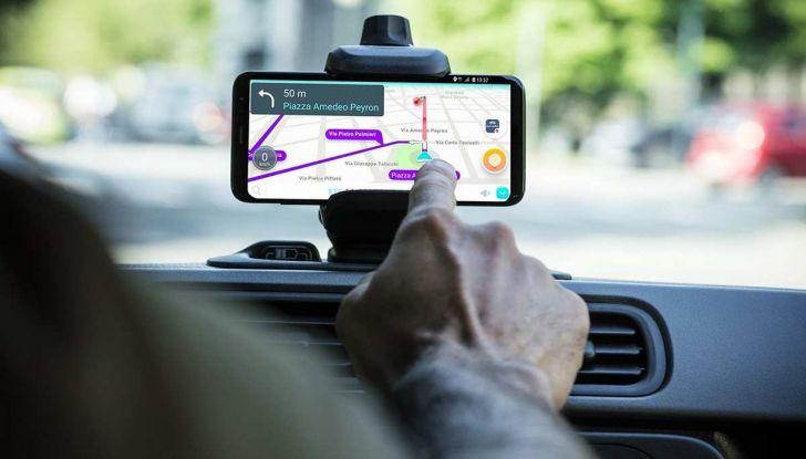 Fiat Panda Waze, versione speciale per l'app di navigazione - Foto 9 di 13