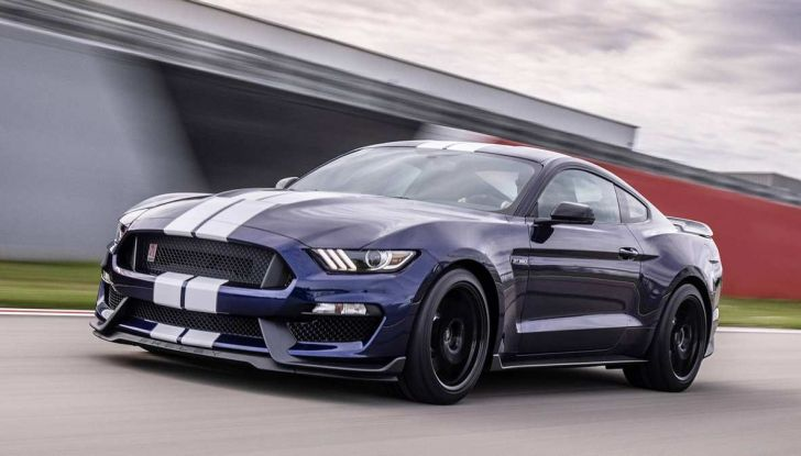 Ford Mustang Shelby GT350 2018, fascino da muscle car - Foto 11 di 11