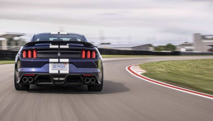 Ford Mustang Shelby GT350 2018, fascino da muscle car - Foto 6 di 11