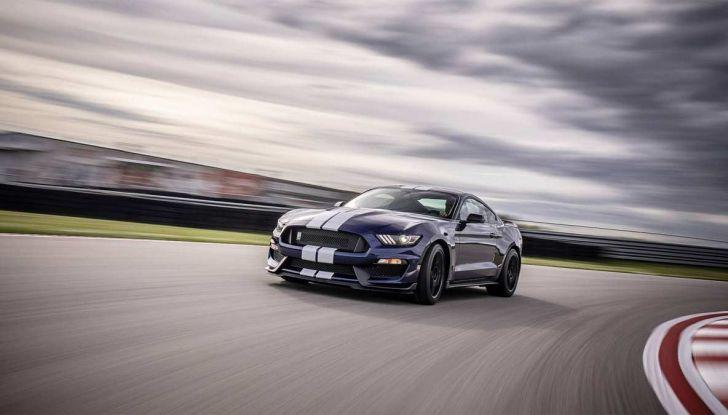 Ford Mustang Shelby GT350 2018, fascino da muscle car - Foto 7 di 11