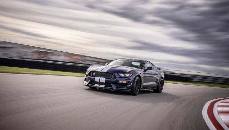 Ford Mustang Shelby GT350 2018, fascino da muscle car - Foto 7 di 11