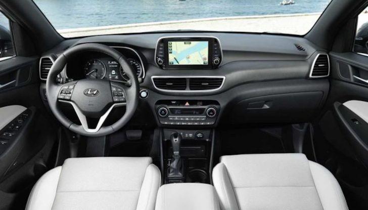 Hyundai Tucson 2018, il Restyling con il nuovo sistema Mild Hybrid - Foto 10 di 17