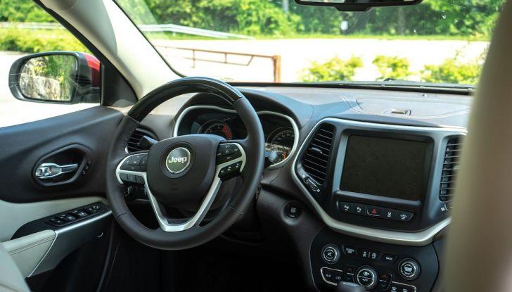 Test Drive Jeep Cherokee Overland, la prova del MultiJet da 200CV con 4×4 - Foto 23 di 27