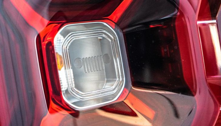 Prova completa Jeep Renegade 2019: Crossover dual su strada e in fuoristrada - Foto 11 di 24
