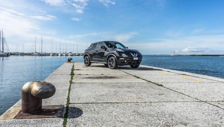 Prova Nissan Juke, Crossover Total Black con l'1.5 dCi da 110CV - Foto 1 di 37