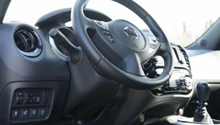 Prova Nissan Juke, Crossover Total Black con l'1.5 dCi da 110CV - Foto 15 di 37
