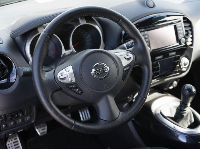 Prova Nissan Juke, Crossover Total Black con l'1.5 dCi da 110CV - Foto 16 di 37