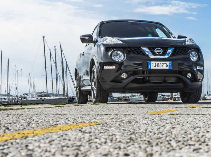 Prova Nissan Juke, Crossover Total Black con l'1.5 dCi da 110CV - Foto 5 di 37