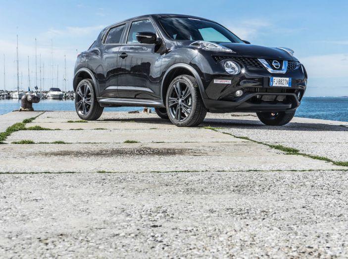 Prova Nissan Juke, Crossover Total Black con l'1.5 dCi da 110CV - Foto 6 di 37