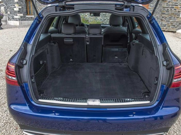 Nuova Mercedes Classe C 2019 restyling, prezzi da 37.200 euro - Foto 6 di 12