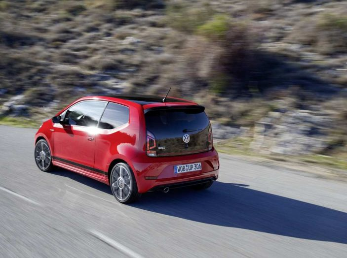 Nuova Volkswagen Up! GTI completa la gamma delle VW sportive - Foto 11 di 33