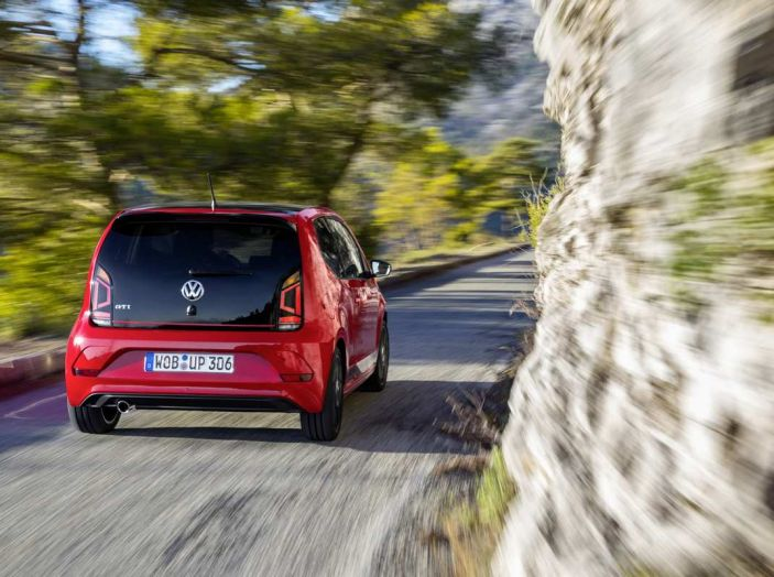 Nuova Volkswagen Up! GTI completa la gamma delle VW sportive - Foto 12 di 33