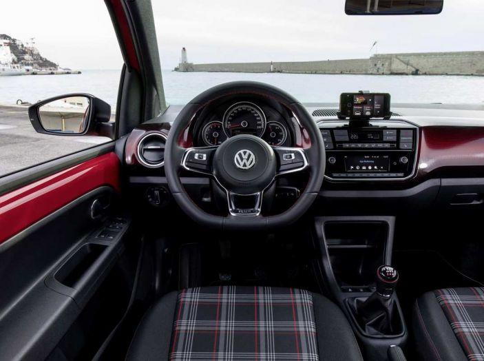 Nuova Volkswagen Up! GTI completa la gamma delle VW sportive - Foto 31 di 33