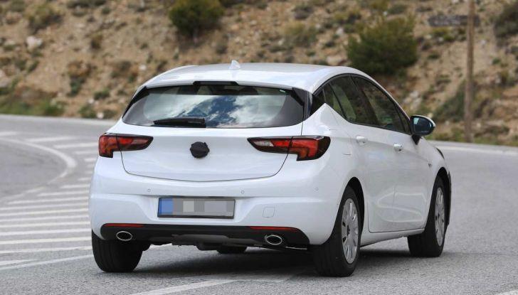 Opel Astra Facelift 2018, si avvicina il debutto della segmento C tedesca - Foto 5 di 20