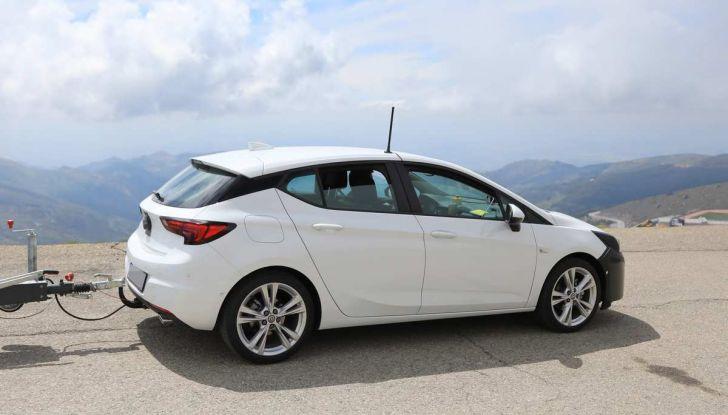 Opel Astra Facelift 2018, si avvicina il debutto della segmento C tedesca - Foto 12 di 20