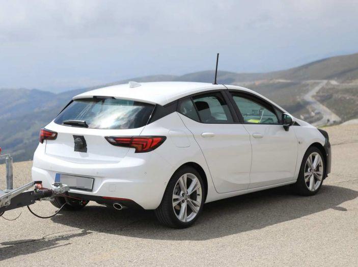 Opel Astra Facelift 2018, si avvicina il debutto della segmento C tedesca - Foto 14 di 20
