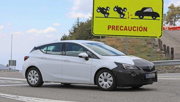 Opel Astra Facelift 2018, si avvicina il debutto della segmento C tedesca - Foto 3 di 20