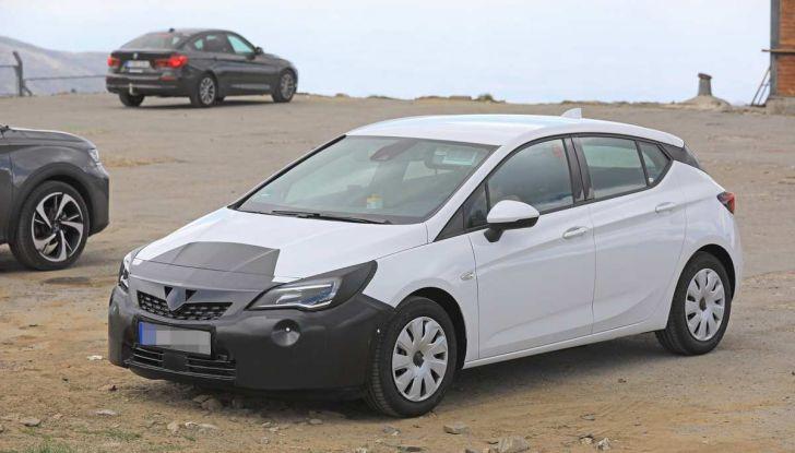 Opel Astra Facelift 2018, si avvicina il debutto della segmento C tedesca - Foto 6 di 20