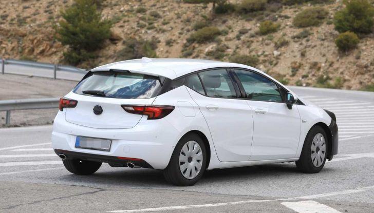 Opel Astra Facelift 2018, si avvicina il debutto della segmento C tedesca - Foto 18 di 20