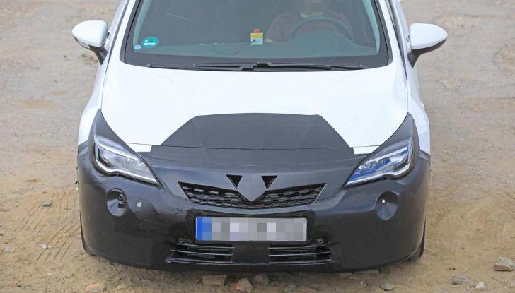Opel Astra Facelift 2018, si avvicina il debutto della segmento C tedesca - Foto 7 di 20