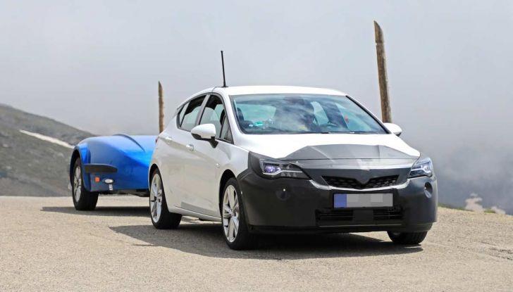 Opel Astra Facelift 2018, si avvicina il debutto della segmento C tedesca - Foto 2 di 20