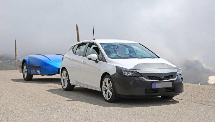 Opel Astra Facelift 2018, si avvicina il debutto della segmento C tedesca - Foto 9 di 20