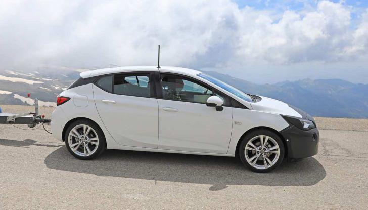 Opel Astra Facelift 2018, si avvicina il debutto della segmento C tedesca - Foto 11 di 20
