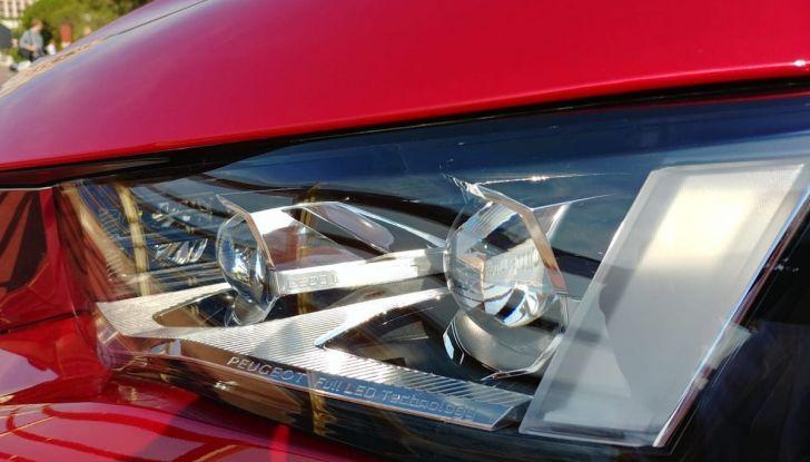 Test Drive Peugeot 508 2018: la berlina di lusso tra comfort e prestazioni - Foto 4 di 17