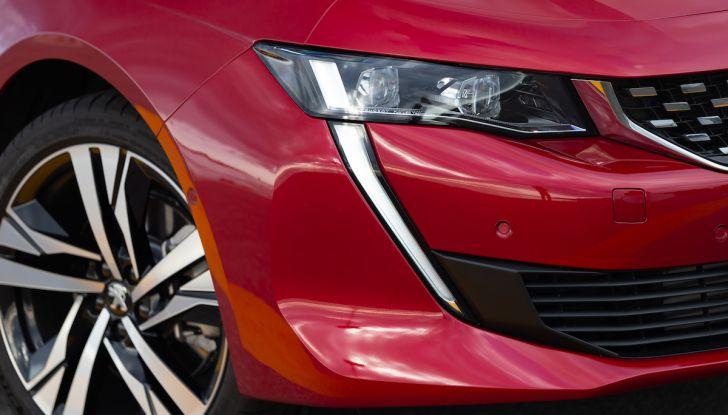 Test Drive Peugeot 508 2018: la berlina di lusso tra comfort e prestazioni - Foto 16 di 17