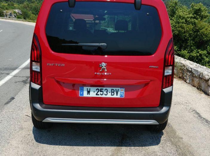 Prova nuovo Peugeot Rifter 2018: il multispazio pronto a tutto - Foto 16 di 22
