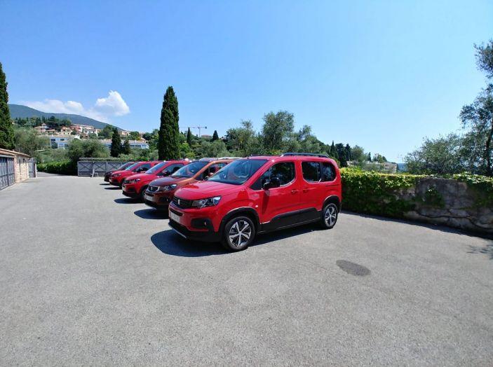 Prova nuovo Peugeot Rifter 2018: il multispazio pronto a tutto - Foto 2 di 22