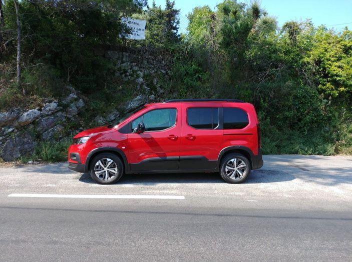 Prova nuovo Peugeot Rifter 2018: il multispazio pronto a tutto - Foto 10 di 22