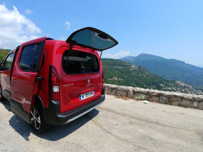 Prova nuovo Peugeot Rifter 2018: il multispazio pronto a tutto - Foto 21 di 22