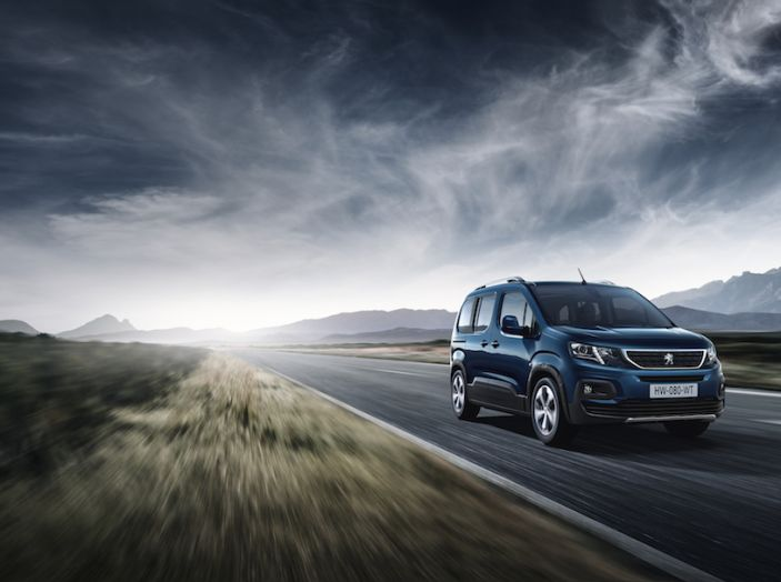 Prova nuovo Peugeot Rifter 2018: il multispazio pronto a tutto - Foto 4 di 22