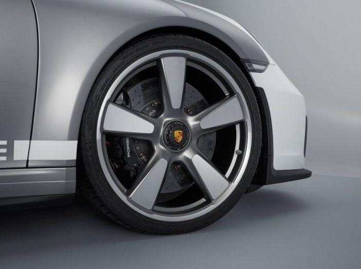 Porsche 911 Speedster: il ritorno di un mito per il 70° anniversario - Foto 11 di 26