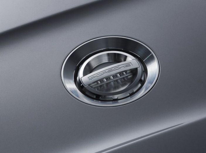 Porsche 911 Speedster: il ritorno di un mito per il 70° anniversario - Foto 23 di 26