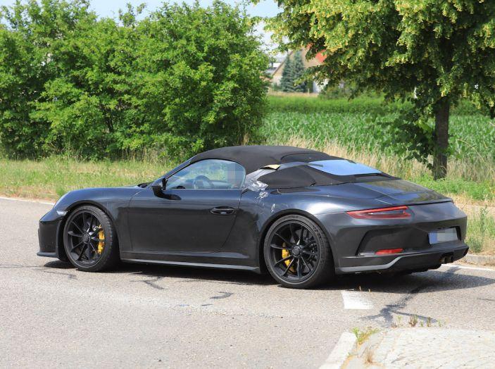 Porsche 911 Speedster: il ritorno di un mito per il 70° anniversario - Foto 9 di 26
