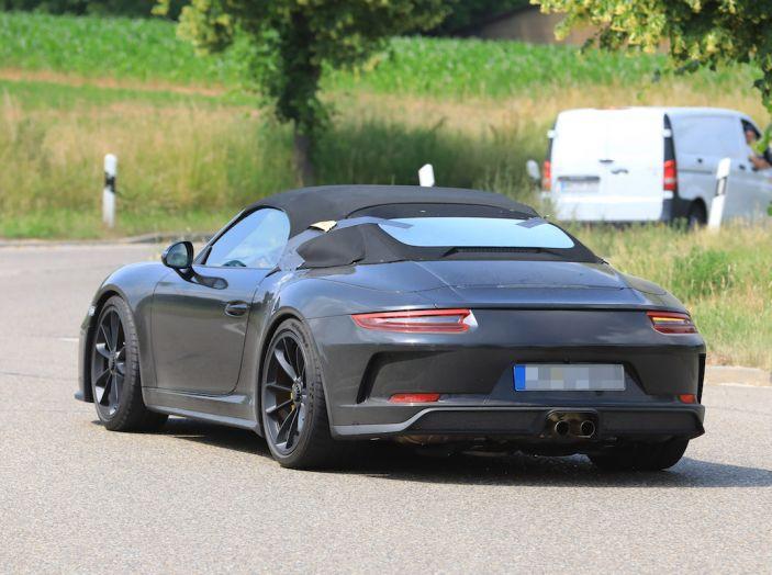 Porsche 911 Speedster: il ritorno di un mito per il 70° anniversario - Foto 15 di 26