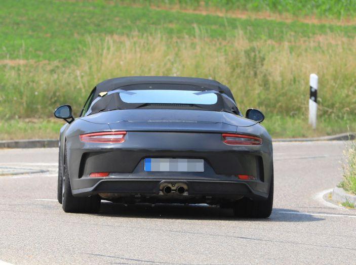 Porsche 911 Speedster: il ritorno di un mito per il 70° anniversario - Foto 17 di 26