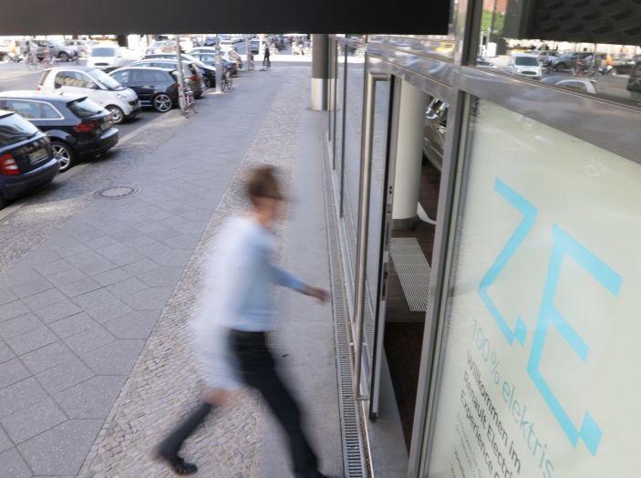 Renault Electric Vehicle Experience Center al debutto a Berlino - Foto 12 di 18