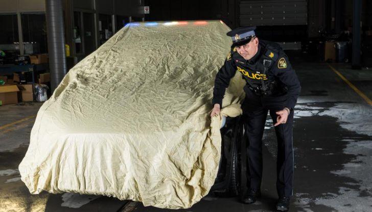 In Svizzera la Polizia abbandona il Diesel per guidare una Tesla Model X - Foto 3 di 6