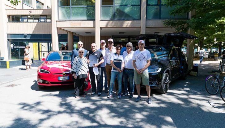 Tesla Model X prova su strada, autonomia, tempi di ricarica e optional - Foto 4 di 35