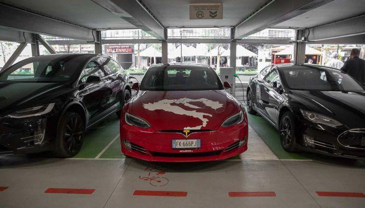 Tesla Model X prova su strada, autonomia, tempi di ricarica e optional - Foto 22 di 35