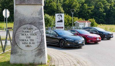 Tesla Model X prova su strada, autonomia, tempi di ricarica e optional