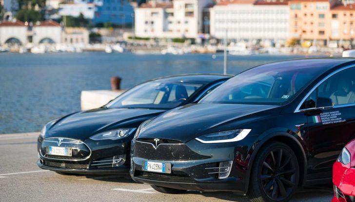 Tesla Model X prova su strada, autonomia, tempi di ricarica e optional - Foto 31 di 35