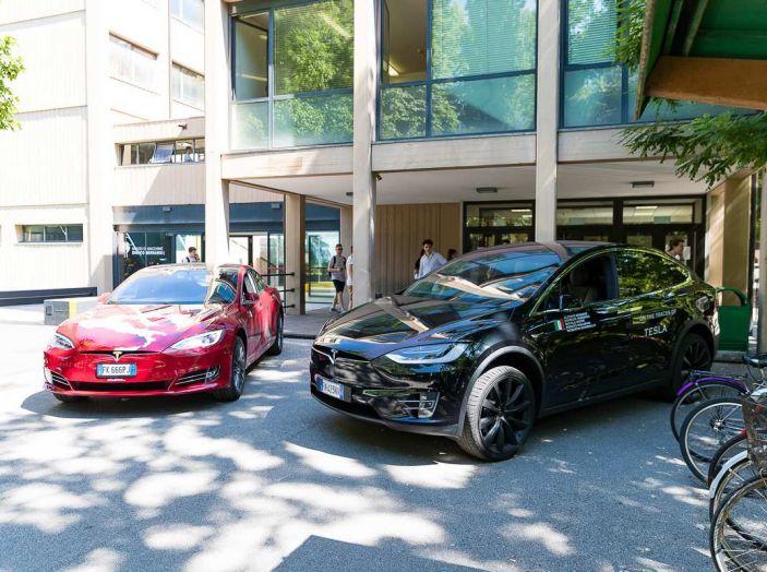 Tesla Model X prova su strada, autonomia, tempi di ricarica e optional - Foto 34 di 35
